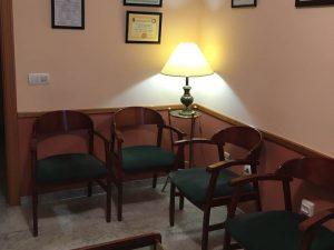 Sala de espera, clínica podología Araceli